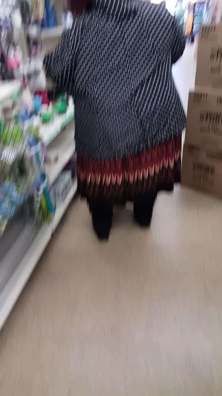 ssbbw black granny upskirt