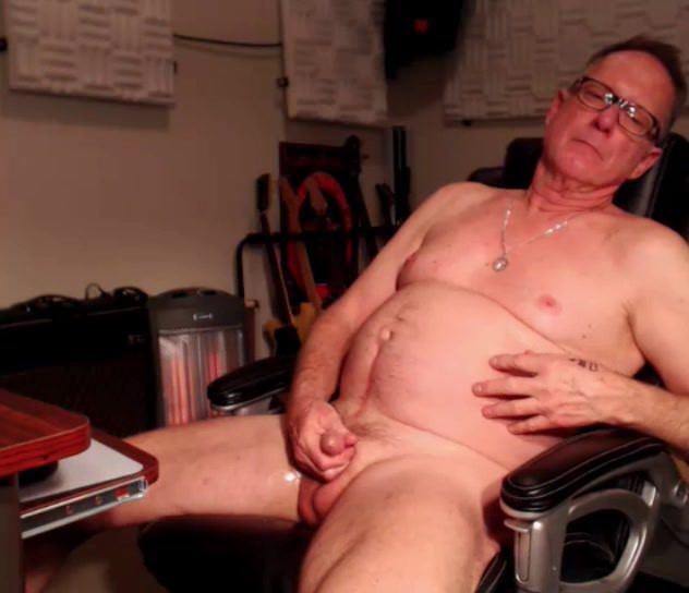 grandpa play on cam