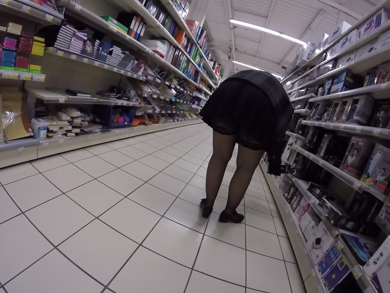 Cul de milf au magasin de chaussures