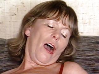 Porno video: Beautiful German Granny