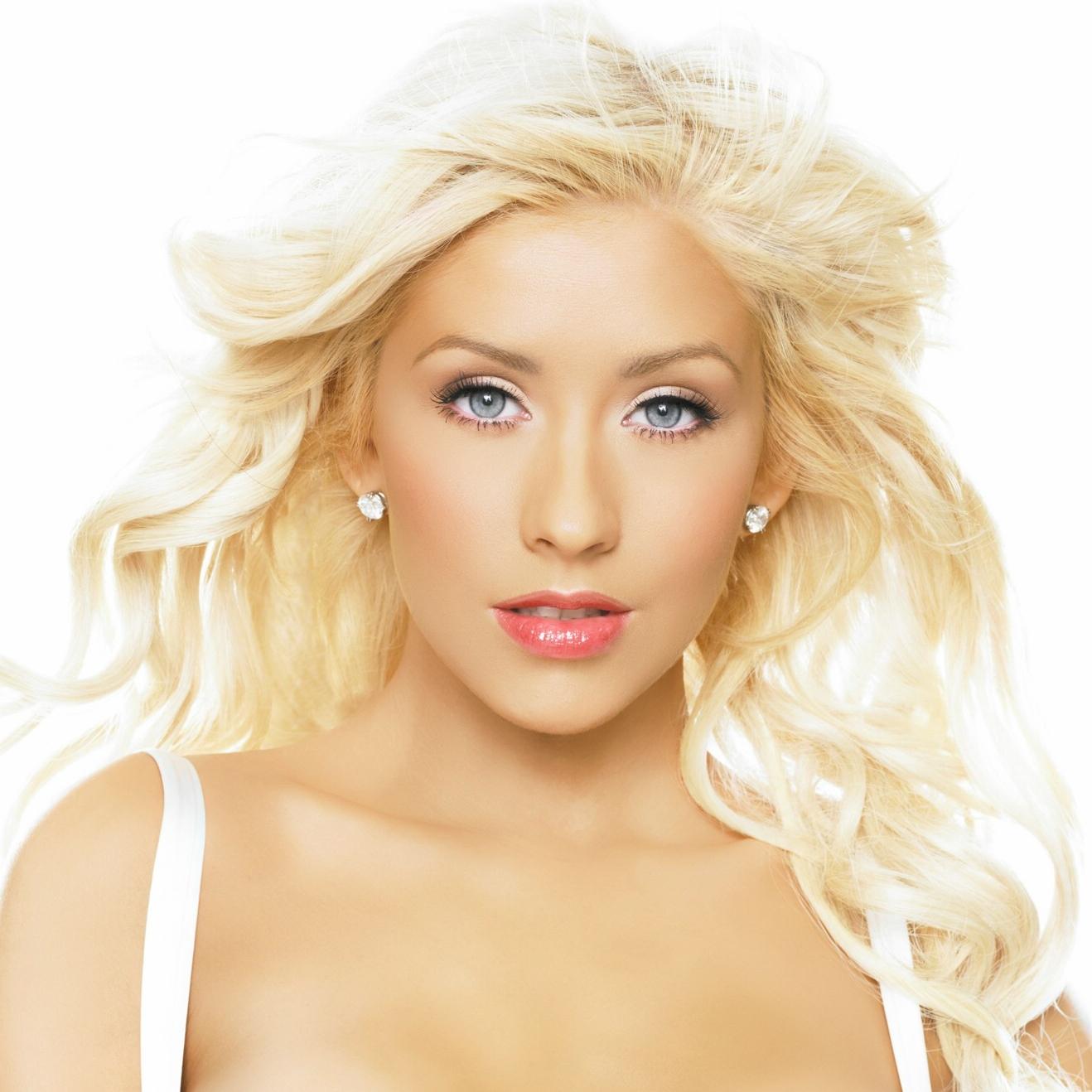Christina Aguilera Nude: Celeb Porn Videos #675