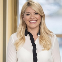 Does Holly willoughby nacked