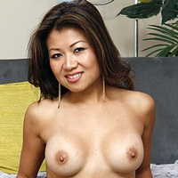 Naked Model From Singapore