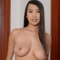 Would like sharon lee bra tits