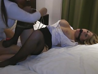 spoutana cz free video bdsm