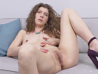 Streaming movie - Canadian milf Janice strips off and fingers her ripe cunt