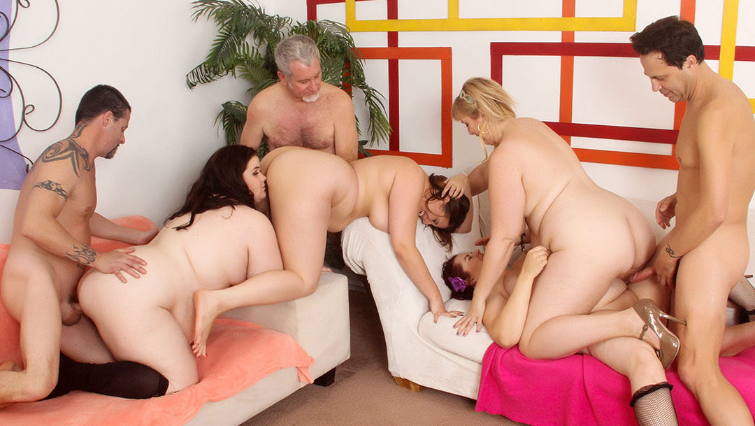 photo: 4 Big boobed BBWs in an orgy