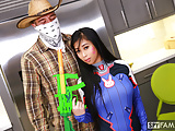 Spyfam Overwatch halloween disguise fuck with step sister