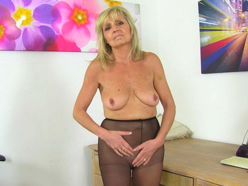 Matures,Milf,British,Grannies,Nylon,Older Woman Fun,HD Videos,Craving,GILF,English