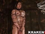 Krakenhot - Culturist woman in a BDSM casting