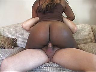 .Mature Bubble Butt Ebony MILF Gets Ass Fucked.