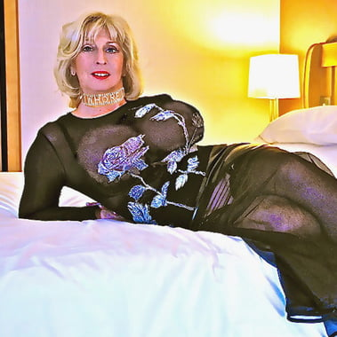 champagne uk Chloe mature lady