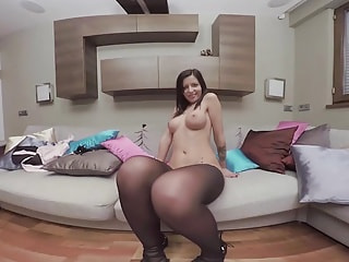 Hot office slut dildo-fucks her tight snatch into oblivion