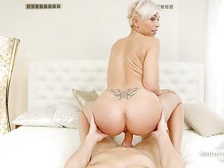 Older blonde bint wants your meat rocket demolishing her hidden base