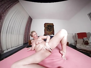 ANGELIKA - the well-groomed horny MILF ...