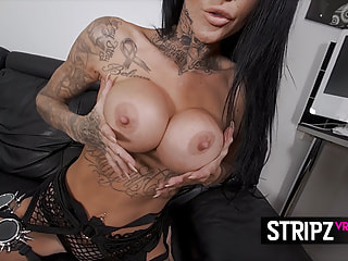 Fake Tits Tattooed Girl is Sexy in Her Lingerie