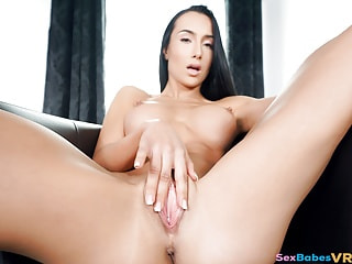 Have Virtual Sex with Moaning Beauty Anna Rose